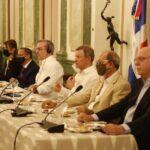 Presidente Abinader ofrece almuerzo a periodistas Haitianos