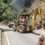 MOPC informa el restablecimiento del tránsito en carretera Constanza-Casabito, obstruido por derrumbe a causa de terremoto
