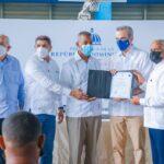 Presidente Abinader auxilia a productores que perdieron sus cerdos afectados por la fiebre porcina