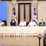 Presidente Abinader se reunió con ministros y directores en el Palacio Nacional; pasan balance a Plan Nacional de Vacunación